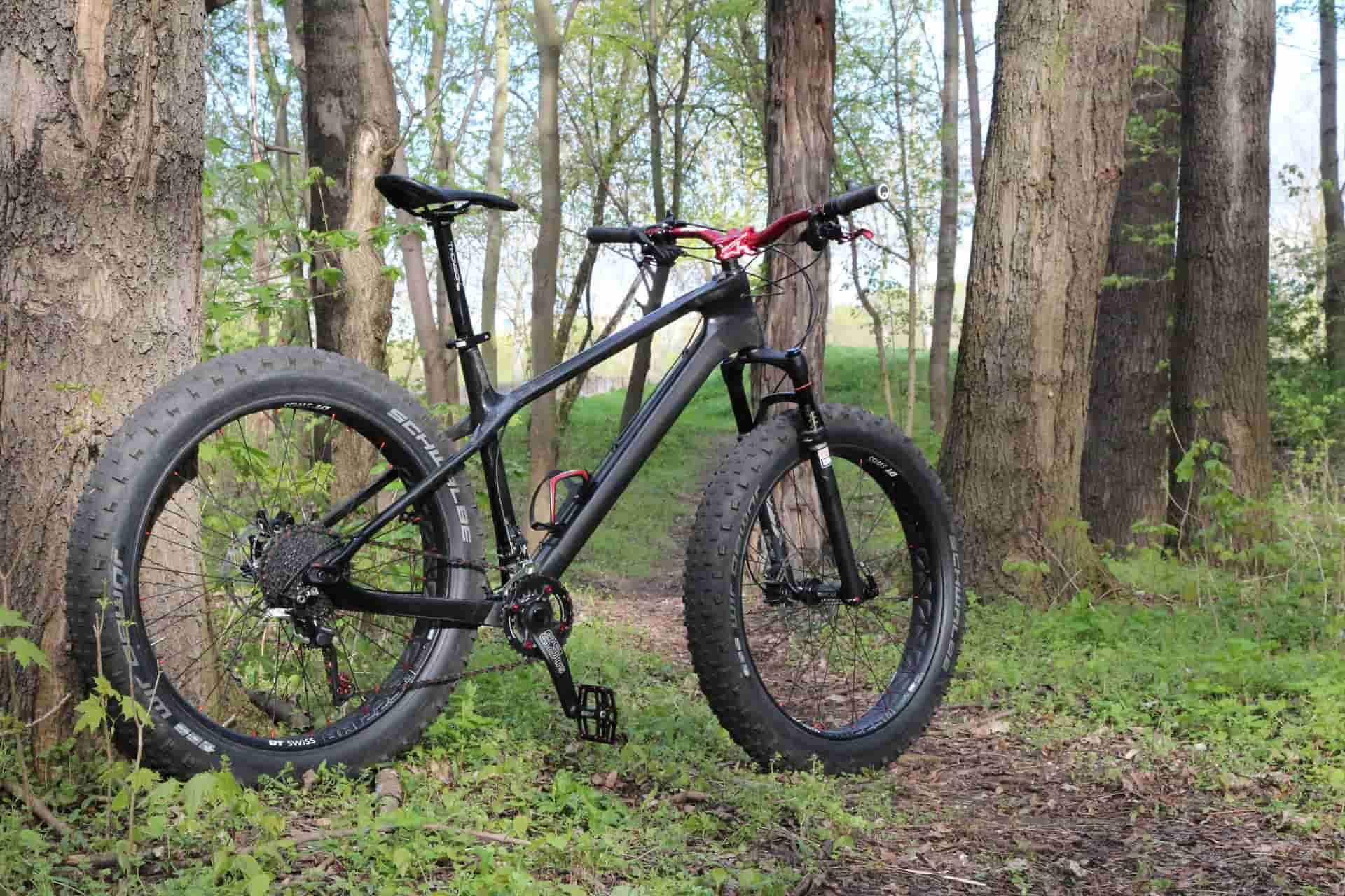 Du vélo au vélo a gros pneus, le géant des vélos
