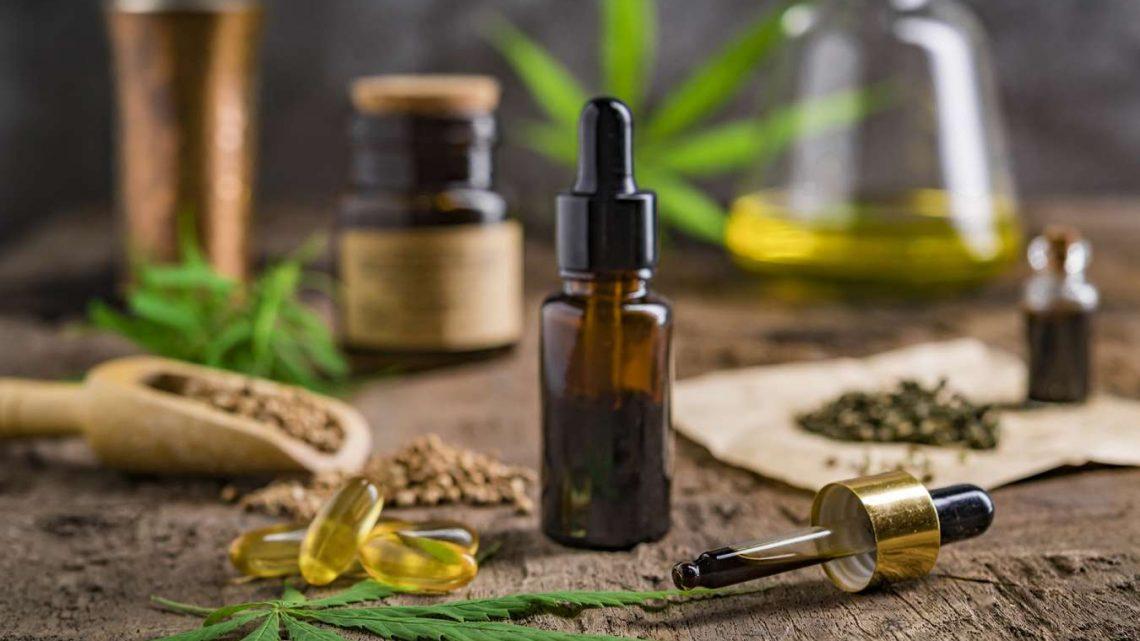 Les huiles essentielles les plus efficaces à utiliser sur votre peau