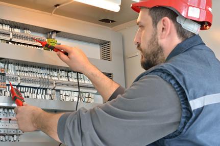 Travaux de dépannage électrique domestiques : intervenir sur des fusibles