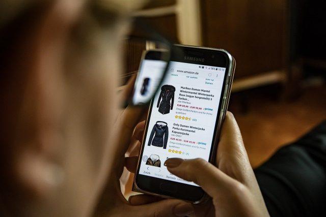 Shopping en ligne : comment choisir un tee-shirt ?