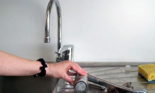 Comment remplacer le robinet d'évier étape par étape