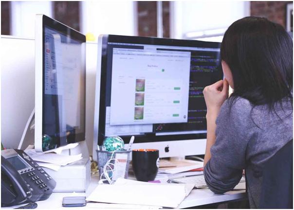 Quelle est la bonne posture pour rester sur le PC? Voici 7 conseils utiles